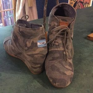 Toms Camo Wedge Shoe